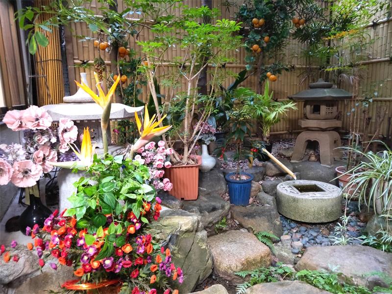 生田屋 涼しげな庭園